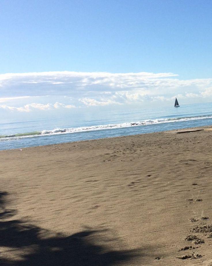#morning#thebest#picoftheday#sea#beach#sky#company#friends#happy#moments#bestday#bestamoment#landscape#photography#landscaper#instagood#intsalike#instafollow#instaday#followandlike#instascape#image#photo