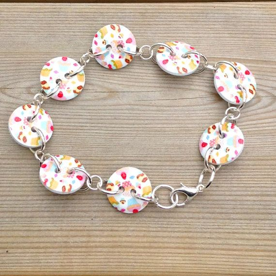 Cupcake button bracelet, button bracelet