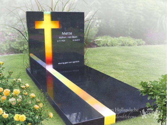 Moderne grafsteen met glasfusing kruis foto 1