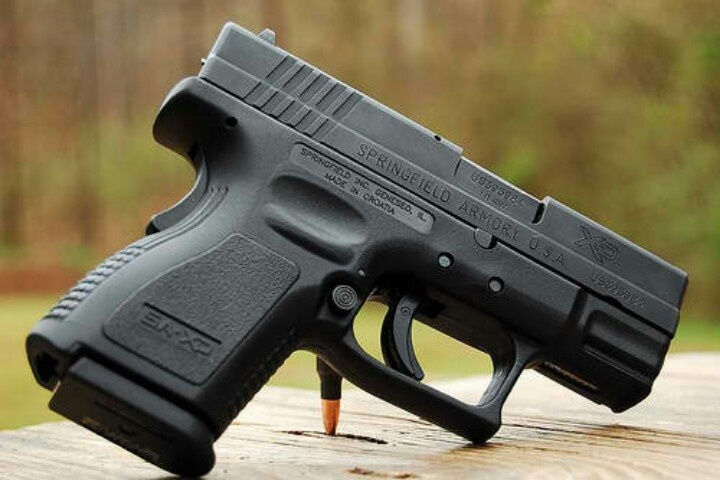 Springfield Xd 9 sc - maybe i carry this, maybe i dont.