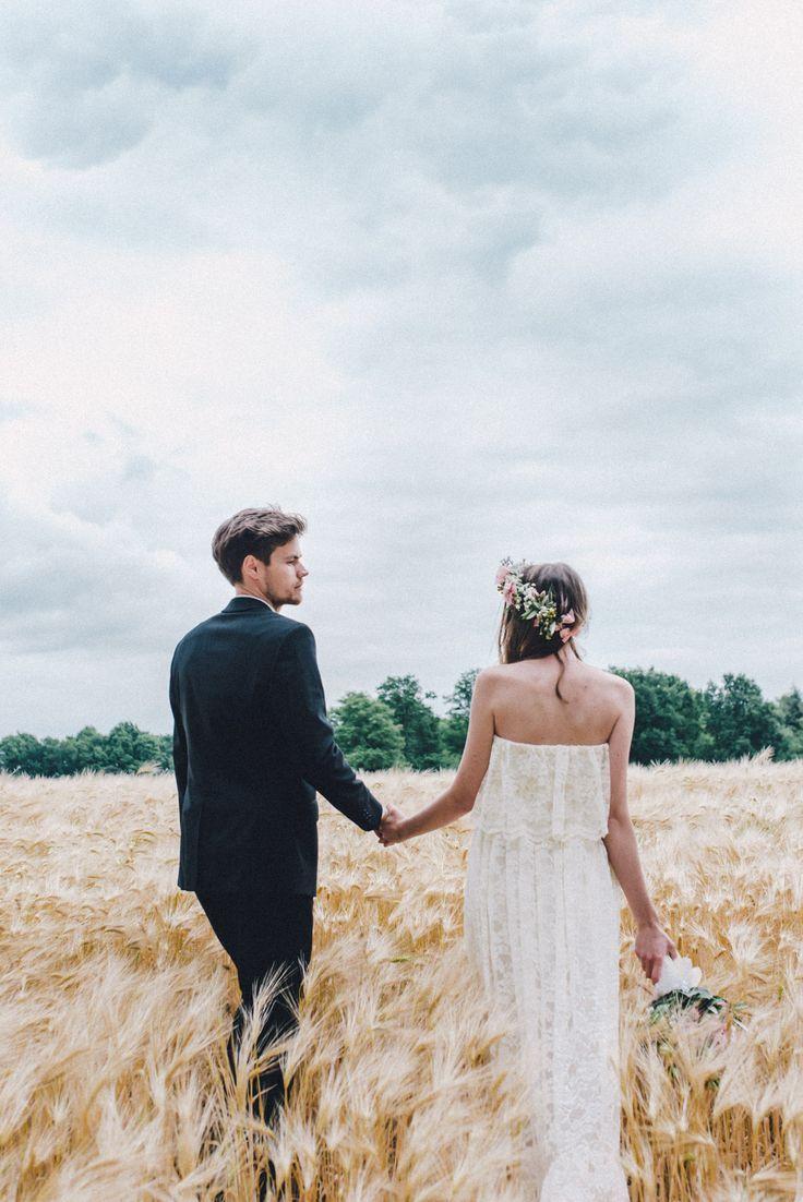 Janet & Pierre DIY Midsummer-Wedding in Gold mit VW Bulli – #Bulli #DIY #Gold #J… – Wedding Fotoshooting