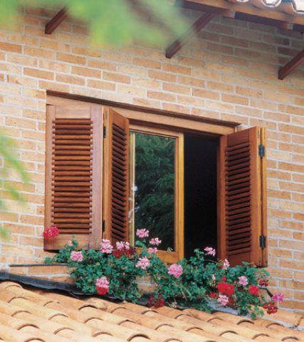 A sensação de aconchego da madeira é barata, mas exige cuidados a longo prazo.