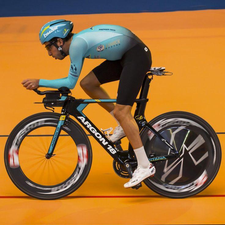 Fabio Aru new kit new bike photo @matteo_cappe