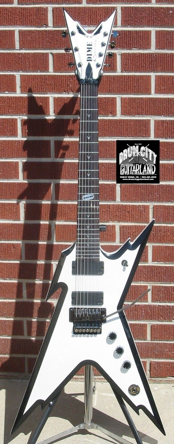 Dean RAZORBACK 7-String 255 White/Black 7-String Electric Guitar