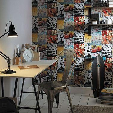 Дизайн интерьера комнаты подростка. Обои в стиле граффити подходят для комнат подростков.