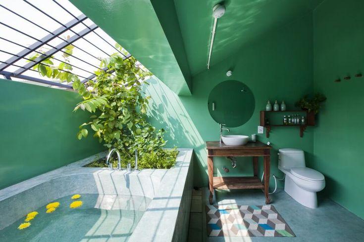 Salle de bains créative et originale fidèle au design intérieur de toute la demeure