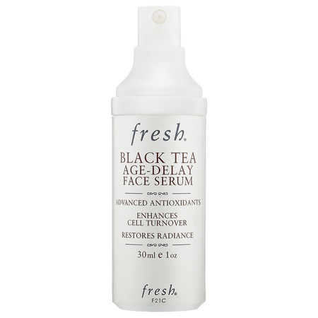 Fresh Black Tea Age Delay Face Serum:  Una combinación de potentes antioxidantes y péptidos que restauran e hidratan tu piel mejorando su textura y aspecto.