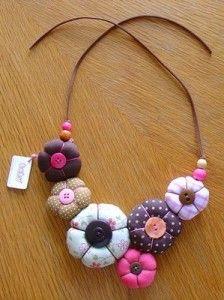 Flores con volumen y botones                                                                                                                                                     Más