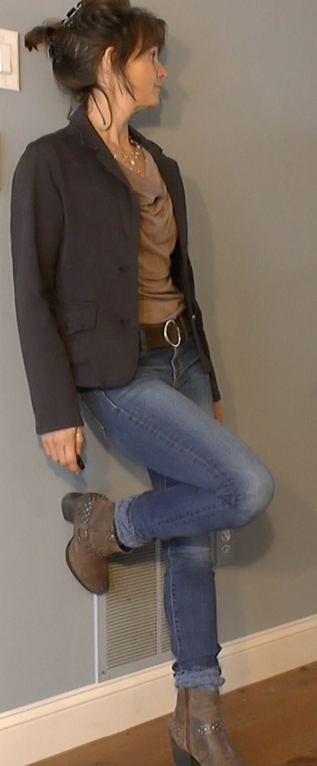 Fashion Over 40: tan shirt, peg jeans, blue blazor