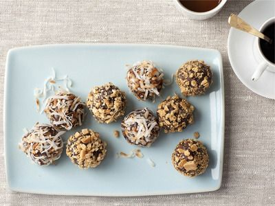 These No-Bake Truffle Cookies are made with naturally sweet ingredients like dates and honey, instead of milk and sugar. #ActiFryHealthyHoliday