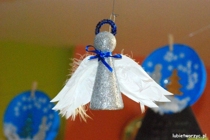 Styropianowy aniołek :)  #lubietworzyc   #przedszkole   #swieta   #bozenarodzenie   #preschool   #kindergarten   #christmas   #dekoracje   #decorations   #handmade    #DIY   #renifery   #reindeers   #mikołaj   #santaclaus   #gwiazdki   #stars   #aniołki   #angels   #girlandy   #garland    #doordecorations   #dekoracjedrzwi   #niedzwiedzpolarny   #polarbear   #sniezynki   #platkisniegu   #snowflake
