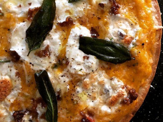 Blumenkohl Pizza Rezept | Butternusskürbis & Salbei | GF Crust   – Healthy Food