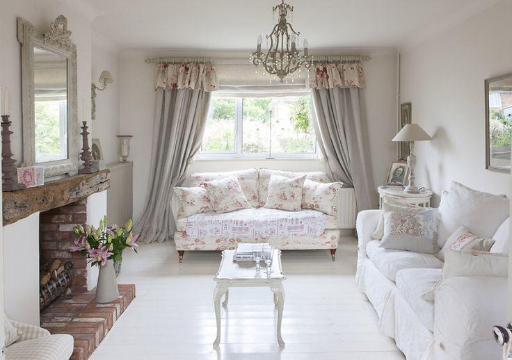 French style per questo bellissimo cottage inglese, un vero sogno..                                                  ...