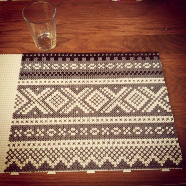 Knit Marius pattern - Hama perler design by frkhemstad