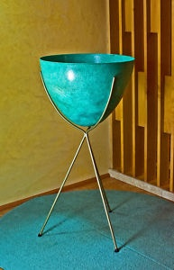 Mid Century amazing - this Kimball 1950s Bullet Planter.