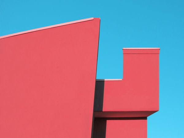 Bold Geometric Compositions That Juxtapose Architectural Spaces Against The Sky - DesignTAXI.com