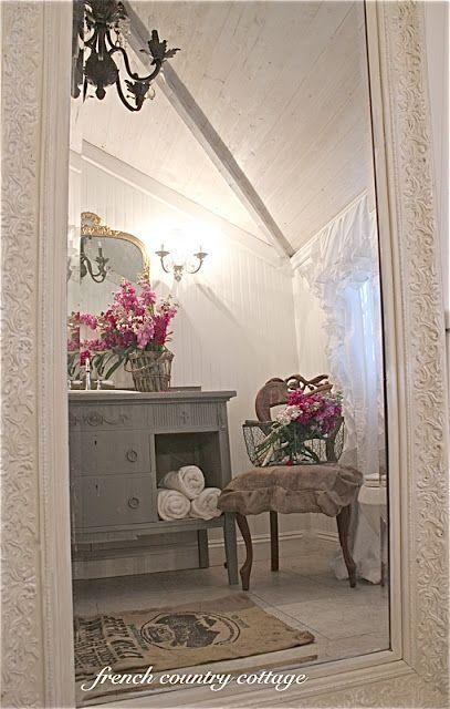 FRENCH COUNTRY COTTAGE: Petite Cottage Bathroom Makeover · Französisch Land  BadezimmerFranzösisch ...