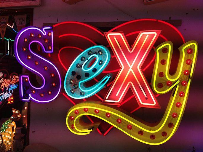 See more works from Chris Braceys http://iloboyou.com/chris-braceys-the-neon-light-guru/