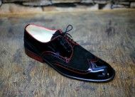 Shoes derby in black suede and black lacquered red stitching