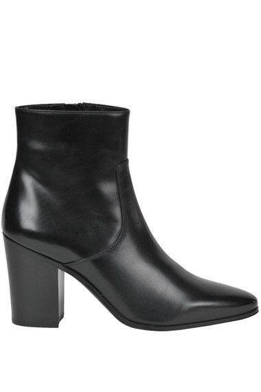 Buy Saint Laurent Boots and Ankle boots on glamest.com Fashion Outlet, select the Saint Laurent Frech leather ankle boots of your choice up to 40% off.