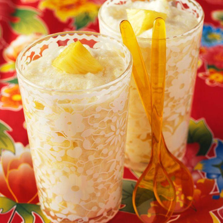 Découvrez la recette Dessert de mousse à l'ananas à la mexicaine sur cuisineactuelle.fr.