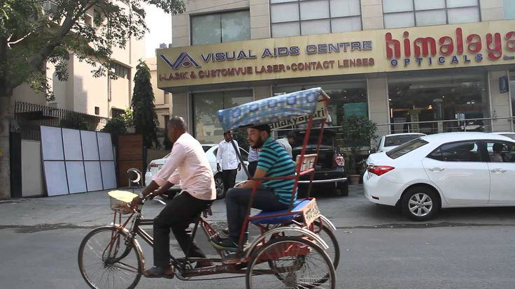 Visual Aids Centre one of the best eye clinic in South Delhi manage by optometrist Vipin Buckshey from the last 30 + years.