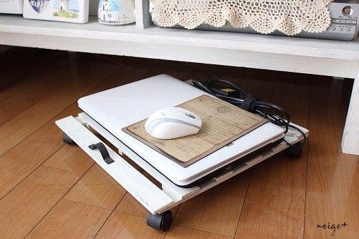DIYブームから「100均すのこ」リメイクも大人気♪新聞ストッカーやすのこカート、棚など道具を使わなくてもちょっとのDIYで生活収納にも便利に使える「すのこ」リメイク5つご紹介♪