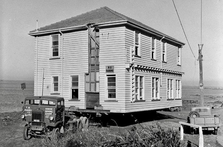 Bill ✔️ 1959. Building Removals, extreme! TR Parry & Co. Wellington were fairly famous for doing fairly unusual loads! This is why! I started out in trucks, working on building removals. It was great fun and challenge!     Bill Gibson-Patmore.  (curation & caption: @BillGP). Bill✔️