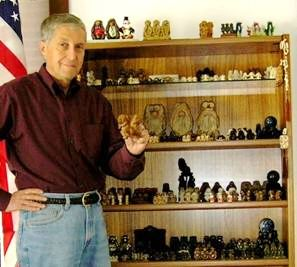 Bruce Kittess (USA), collector and owner of TheThreeMonkeys.com