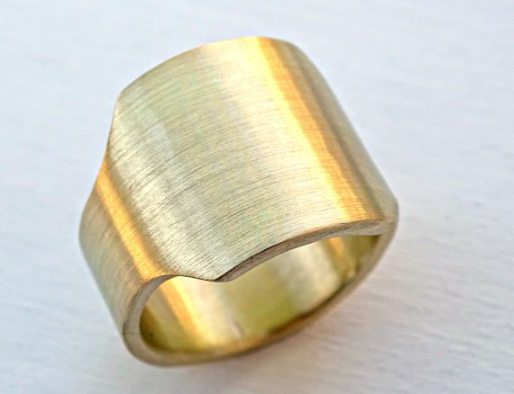 mens signet ring brass, brass signet ring, gents ring brass, big signet ring, square ring brass, big mens ring brass, cigar ring band Big and sturdy signet ring, handmade from brass. Edgy, modern signet ring perfect to be worn every day. For the classic, impressive look. > The ring band