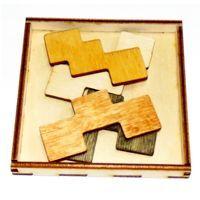 Головоломка состоит из деревянной рамки и набора деталей.  Цель - найти способ уложить все имеющиеся детали в деревянную рамку в один слой.