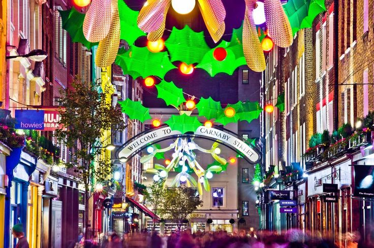#Christmas on #Carnaby Street! Perfect location to walk to from No. 5 Maddox Street | http://www.simplyhoteljobs.com/recruiters/living-rooms-no5-maddox-street