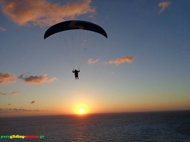 "AlternaGreece » Paragliding Greece – Lefkada Island, Eptanisa ""For once you have tasted flight you will walk the earth with your eyes turned skywards, for there you have been and there you will long to return"" – Leonardo da Vinci #Greece #paragliding #Lefkada #parapente #paramotor #alternagreece"