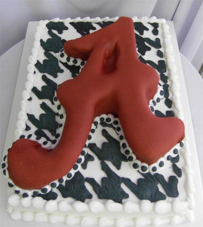 University of Alabama cake www.confectionperfectioncakes.com  #groomscake #cakesatlanta #cakesmarietta #weddingcake #customcakes #atlantacustomcakes #mariettacustomcakes #confectionperfection #alabamacake #sculptedlogocake