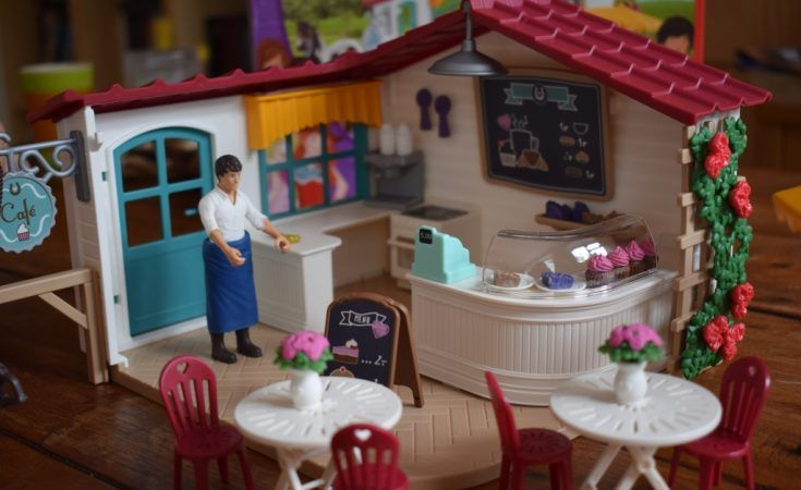 Schleich Horse Club Rider Cafe Playset With Figures Review