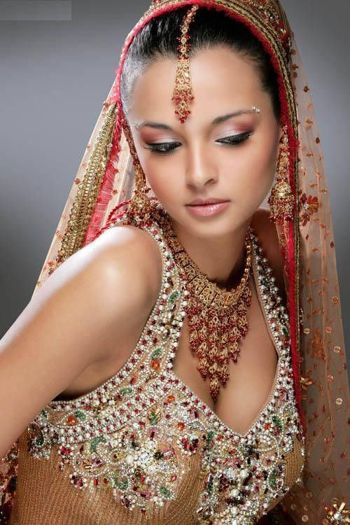 Indian Bridal With Makeup and Heavy Jewelry forms a very important part of the overall attire of an Indian bride.