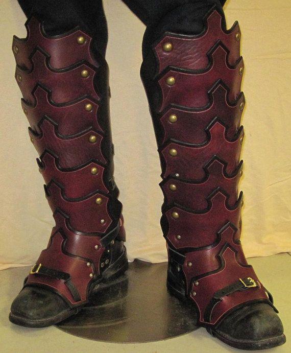 Gótico de armadura de cuero plateado Greaves & Sabotes                                                                                                                                                                                 Más