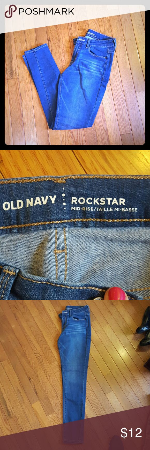 Old Navy Rockstar Jeans Excellent used condition from a smoke free clean home. Size 4 regular. Old Navy Jeans Skinny