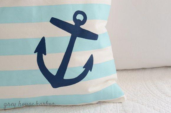paint a throw pillow     greyhouseharbor.com