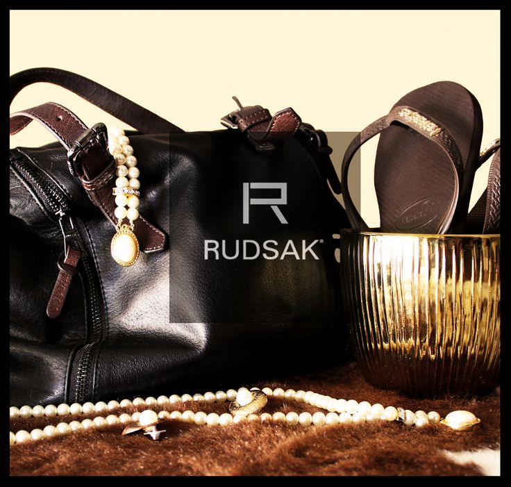 Rudsak, Havainas, perles, golden vase