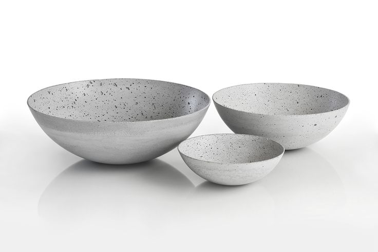 Set of concrete decorative bowls by Gravelli in grey.
