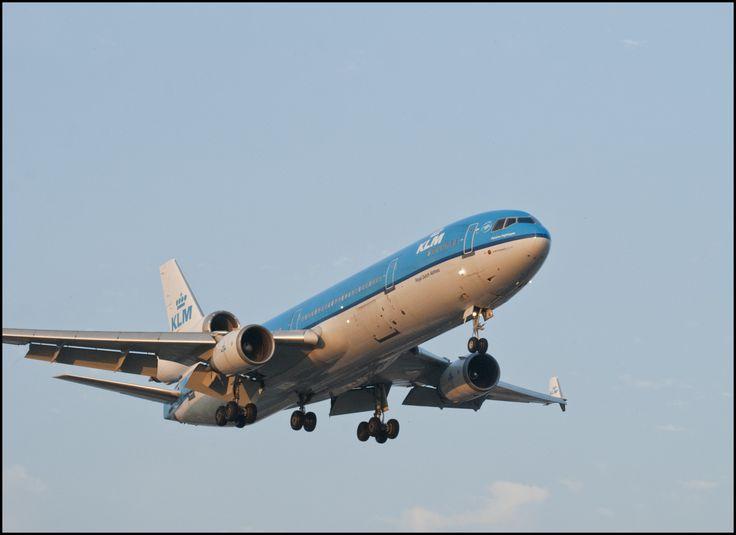 """KLM """"Florence Nightingale"""" landing at Toronto Airport (YYZ)."""