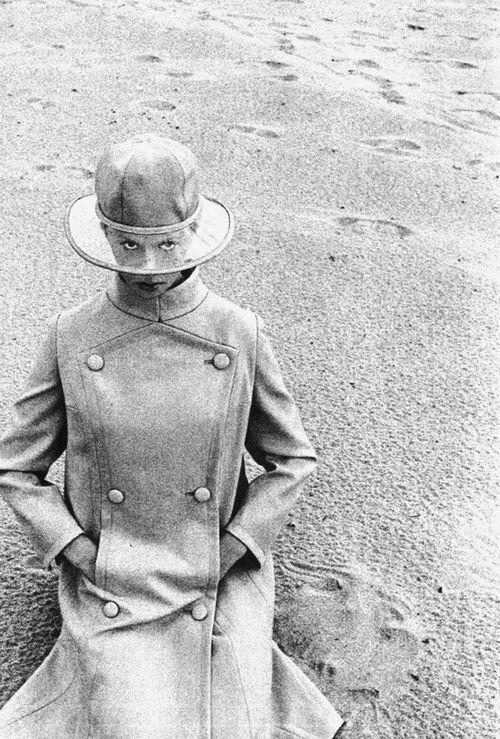 Space age fashion for Vogue Italia, November 1965. Photo by Claudio Castellani