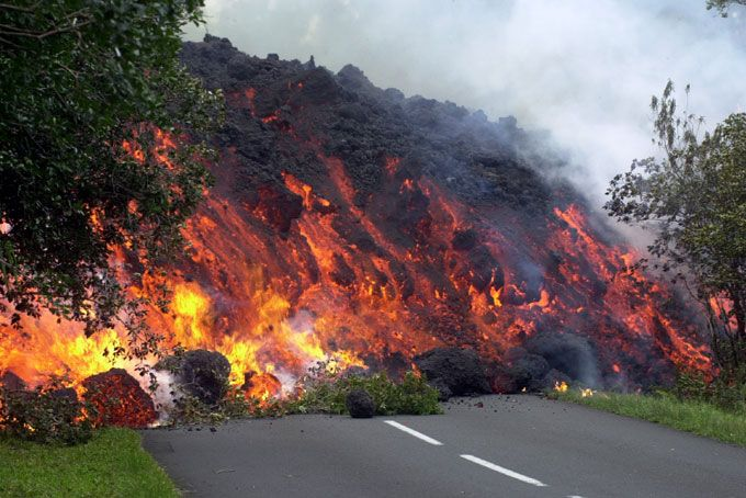 Wall of Lava eating everything in its path, Piton de la Fournaise, Réunion