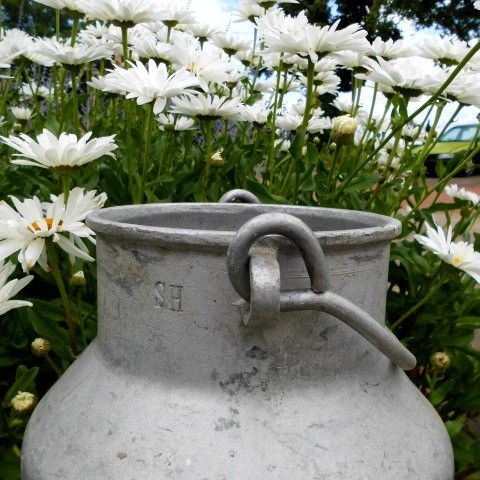 Vintage Blumentöpfe - alte & urige Milchkanne*Milchkübel ... Shab... - ein Designerstück von Shabby-und-vintage-Style bei DaWanda