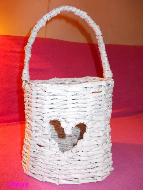 newspaper basket in <3