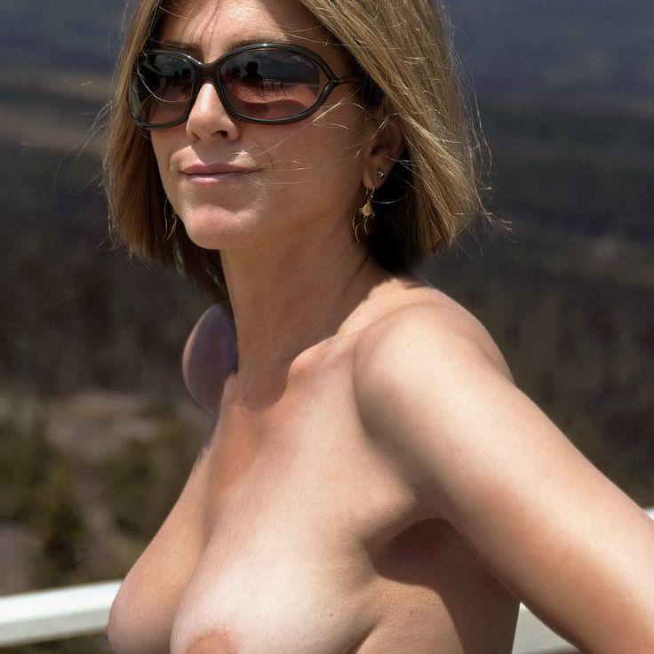 Think, Jennifer aniston nude tits advise you