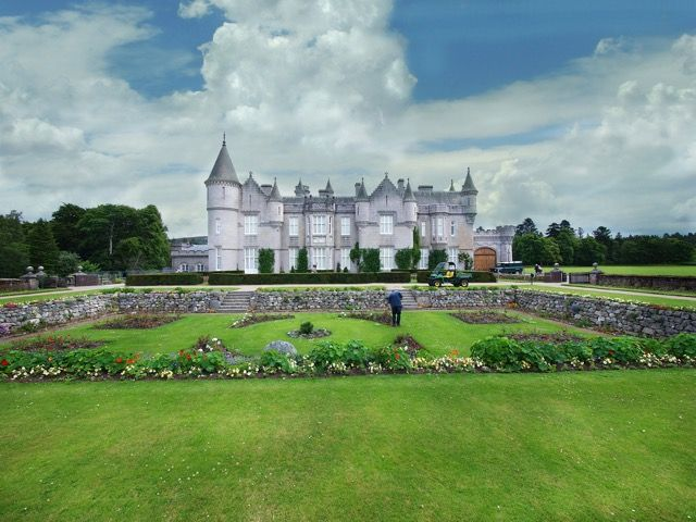 1390年に建てられた優美なお城。スコットランドの魅力
