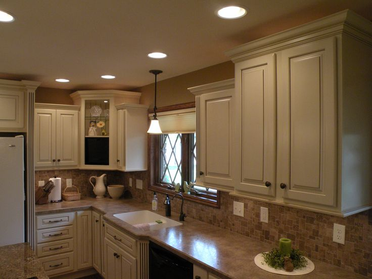 Best 25 kraftmaid kitchen cabinets ideas on pinterest for Cheap kraftmaid kitchen cabinets