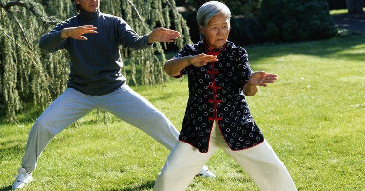 Como melhorar o equilíbrio e propriocepção após um derrame. A recuperação após um derrame pode ser multifacetada. Mesmo quando se trata de desafios de equilíbrio e propriocepção após um acidente vascular cerebral, uma parte do problema pode incluir uma combinação de acuidade visual, do movimento e posicionamento dos membros e dos sensores de equilíbrio localizados dentro do ouvido interno. Em alguns casos, ...